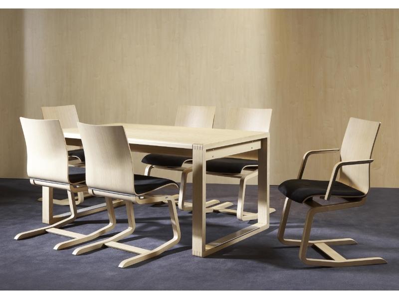 Tischgruppe mit MOIZI 23 <br>JPG | 3508 x 2480 px | 929 kb