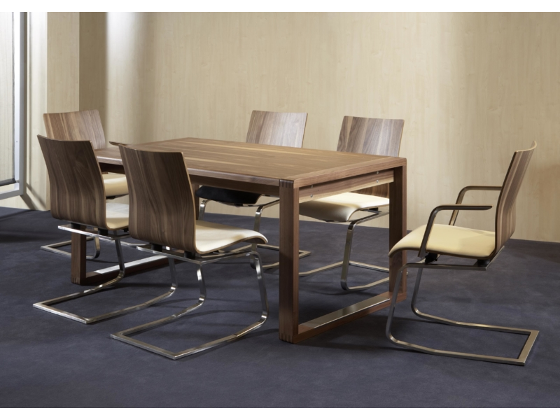 Tischgruppe mit MOIZI 24 <br>JPG   3508 x 2480 px   549 kb